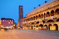 Piazza dei Frutti - Palazzo della Ragione - Municipio - Palazzo del Consiglio 190x127