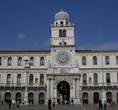 Orologio in Piazza dei Signori