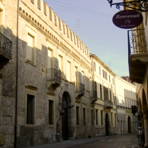 Via San Francesco con Palazzo Zabarella
