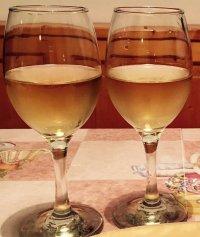 calice vino aperitivo cibo uva