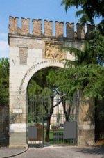 Ingresso Giardini dell'Arena Romana piazza Eremitani 150x227