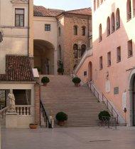 Scalinata Palazzo Moroni Municipio Comune 190x178