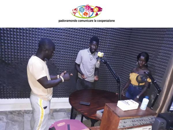 GuineaBissau una trasmissione radio contro il Covid19
