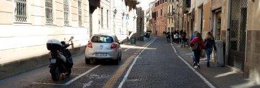 via Santo strada Padova centro storico macchina automobile moto veicolo 380