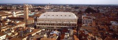 Zona piazze Centro storico Padova città palazzo Ragione veduta panoramica 380 ant