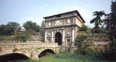 Galleria delle Porte 240