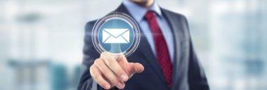 Email pec posta impresa commercio contatti riferimenti 380 ant fotolia