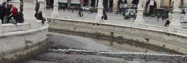 Riavvio delle operazioni di prosciugamento della Canaletta di Prato della Valle 380 ant