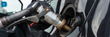 Carburante benzina carburanti benzinaio rifornimento pompa 380 ant fotolia