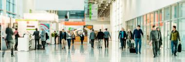 fiera ant 380 persone stazione viaggio aeroporto muoversi movimento meeting